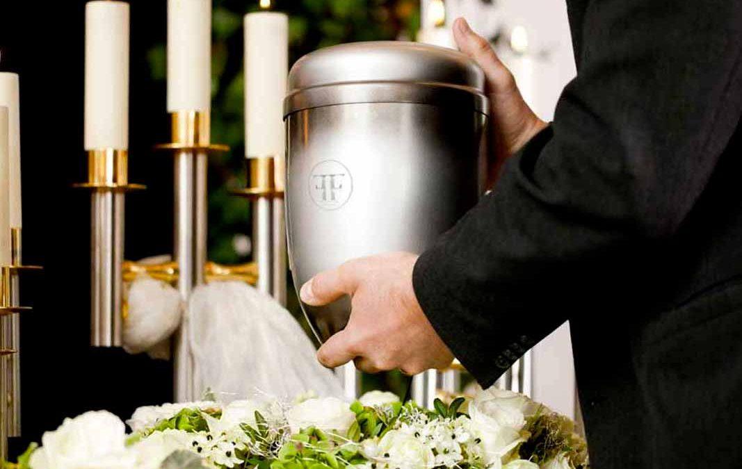 Onoranze funebri Fratelli Ferrario urne funerarie